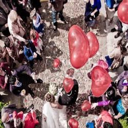 lanzar globos corazón
